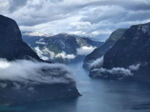 norsk fjord 300x224 - Reseguide till Stavanger